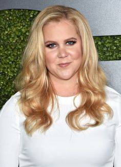 Amy Schumer's smoked-out look at the Golden Globes.