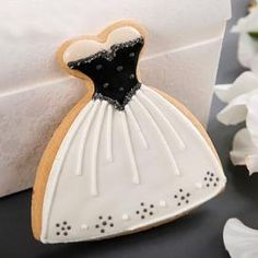 @Carol Van De Maele Henry Wedding Guide (National) loves the idea of giving cute cookies as favors!