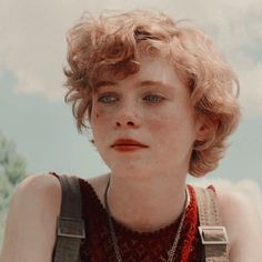 Short Grunge Hair, Short Curly Hair, Short Hair Cuts, Curly Hair Styles, Hair Inspo, Hair Inspiration, Pretty People, Beautiful People, Images Murales