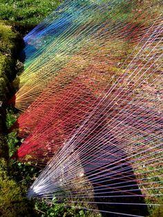 String installation producing light beams by Sebastien Preschoux String Installation, Art Installations, Garden Art, Garden Design, Garden Deco, Colossal Art, Thread Art, Outdoor Art, French Artists