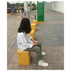 Girl Photo Poses, Girl Photos, Best Freinds, Hidden Photos, Cute Emoji Wallpaper, Bad Boy Aesthetic, Cover Photo Quotes, Ulzzang Korean Girl, Uzzlang Girl