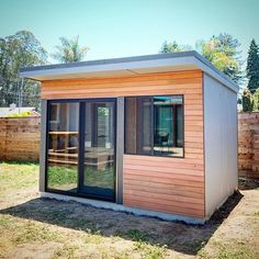 The new design trend in work from home office space Backyard House, Backyard Studio, Backyard Landscaping, Modern Shed, Modern Spaces, Mid-century Modern, Prefab Office, Prefab Sheds, Sauna House