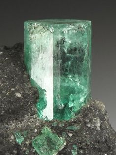 BERYL var EMERALD Minerals from Muzo, Boyaca Depart, Colombia, South America at Crystal Classics