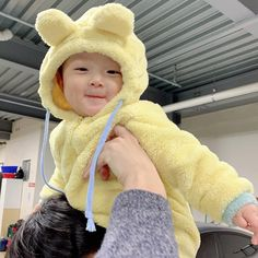 D + 353 # I& been here for 8 months . - In the first months your baby will . - D + 353 # I& been here for 8 months … – In the first few months, your baby will prefer th - Cute Baby Boy, Dad Baby, Cute Little Baby, Little Babies, Cute Kids, Baby Kids, Cute Asian Babies, Korean Babies, Asian Kids