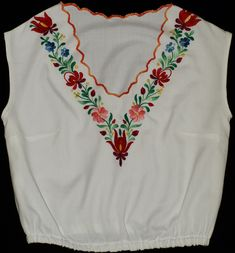 Hand Made Hungarian Matyo Floral Embroidered Boho Hippie Style Women Top Size EU / UK Hippie Style, Hippie Boho, Embroidery Patterns, Hand Embroidery, Mexican Designs, Baby Sweaters, Embroidered Blouse, Flower Patterns, Floral