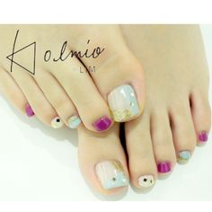 Japanese style toe nails