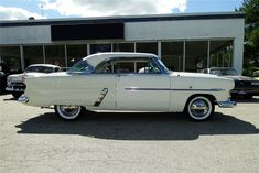 1952 FORD VICTORIA  - Side Profile