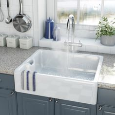 Remodeling Your Bathroom Choosing Your New Kitchen Sink Ceramic Kitchen Sinks, Kitchen Taps, Ceramic Bowls, New Kitchen, Vintage Kitchen, Belfast Sink Kitchen, Kitchen Ideas, Bathroom Sinks, Kitchen Stuff