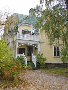 perfect colors on house and roof Swedish House, House Extensions, Cottage Homes, Scandinavian Style, Old Houses, Beautiful Homes, Porch, Sweet Home, House Ideas