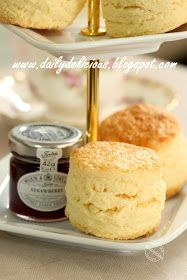 dailydelicious: My Own Mission: Real rich scones. Made with cake flour Tea Recipes, Sweet Recipes, Baking Recipes, Cake Recipes, Dessert Recipes, Desserts, British Scones, English Scones, Fruit Scones