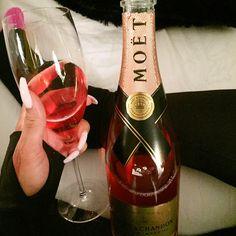Moët Expensive Champayne Wine Alcohol Glass Drink