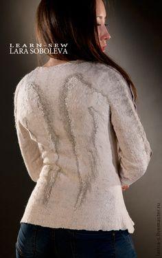 валяный свитер `Ангел мой` эко стиль. цельновалянный  на шаблоне свитер. Для декора использовались шелковые одеяла, напсы, льняное волокно Эко стиль в одежде.