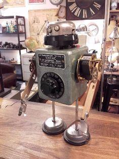 deco authentique - Créations - Robot en pièces de récupération - création unique