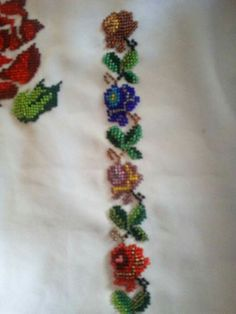 Hand Embroidery Stitches, Beaded Embroidery, Embroidery Designs, Bruges Lace, Palestinian Embroidery, Cross Stitch Animals, Embroidered Blouse, Cross Stitching, Diy And Crafts