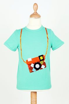 """Collection 2013.   T-shirt """"Petit reporter""""  www.madamemanu.be"""