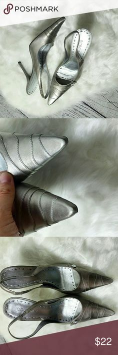 Silver Pointy Toe heels Glamour heels. Size 7 Silver heels. Worn a couple of times, has a little bit of scratch. Good condition. Weddong shoes by BCBGirls. Feel free to offer! BCBG Shoes Heels