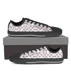Full canvas double sided print with rounded toe construction Lace-up closure for a snug fit. Metal eyelets for a classic look Soft textile lining with lightweig Cute Cat Face, Cute Cats, Top Shoes, Me Too Shoes, Women's Shoes, Cat Brain, Hello Kitty Shoes, Snug Fit, Vans