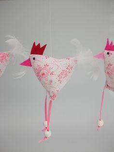 Easter Decor - 2 Chicken Chicken - un produit unique de Firlefanz-Design-Ulrike bei . Crafts To Sell, Diy And Crafts, Crafts For Kids, Arts And Crafts, Sewing Crafts, Sewing Projects, Projects To Try, Felt Crafts, Easter Crafts