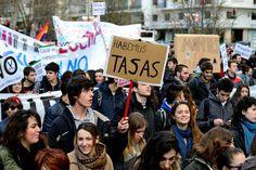 Miles de estudiantes y profesores han protestado este 14 de marzo por las calles de Madrid [...] / @popicinio [http://www.flickr.com/photos/popicinio/] | #universidadencrisis