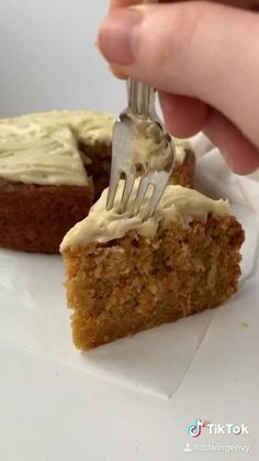 Crockpot Dessert Recipes, Fun Baking Recipes, Crock Pot Desserts, Sweet Recipes, Cake Recipes, Snack Recipes, Bread Recipes, Moist Carrot Cakes, Easy Carrot Cake