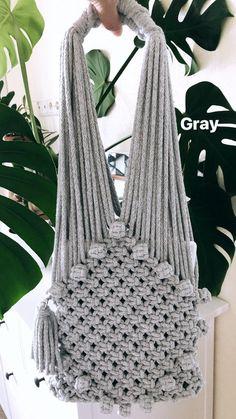 Discover thousands of images about Macrame cotton bag macrame avoska boho market bag festival Macrame Projects, Crochet Projects, Diy Moda, Diy Macrame Wall Hanging, Macrame Purse, Macrame Knots, Yarn Bag, Micro Macramé, Net Bag