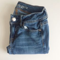 American Eagle Jeans American Eagle low-rise jeans, size 00 regular. Gently worn and still look like new. Same day/next day shipping! American Eagle Outfitters Pants Boot Cut & Flare