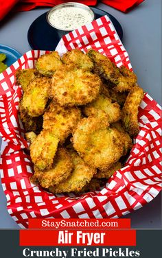 Easy, Air Fryer Crunchy Fried Pickles is the best, quick recipe that uses panko . - Easy, Air Fryer Crunchy Fried Pickles is the best, quick recipe that uses panko breadcrumbs to prod - Air Fryer Recipes Low Carb, Air Fryer Recipes Breakfast, Air Fryer Dinner Recipes, Easy Appetizer Recipes, Quick Recipes, Healthy Recipes, Appetizers, Breakfast Cooking, Healthy Sweets
