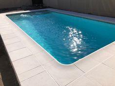#pool #piscina #piscinapequeña #patio #chile Chile, Patio, Outdoor Decor, Home Decor, Petite Piscine, White Colors, Decks, Mosaics, Chili Powder