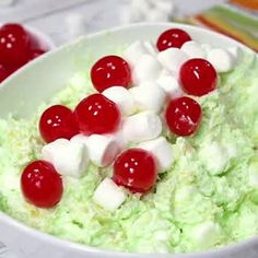 Delicious Watergate Salad made with pistachio pudding, crushed pineapple, Cool Whip, marshmallows and coconut! Perfect for a potluck or holiday party. Potluck Desserts, Dessert Salads, Fruit Salads, Mini Marshmallows, Fruit Salad With Marshmallows, Lemon Recipes, Fruit Recipes, Cooking Recipes, Easter Recipes