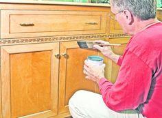 Cum recondiţionezi mobila veche. Cele mai bune trucuri dacă bugetul nu îţi permite «să te înnoieşti»