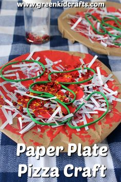 Paper Plate Pizza craft is a fun way to encourage art play. Pair this activity with making a real pizza to get the kids involved in the kitchen! Green Crafts For Kids, Recycled Crafts Kids, Recycled Gifts, Recycled Materials, How To Make Pizza, How To Make Paper, Paper Plate Crafts, Paper Plates, Paper Crafting