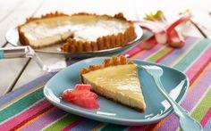 Raparperijuustokakku Fika, Dessert Recipes, Desserts, Cheesecakes, Bon Appetit, Camembert Cheese, Vanilj, Europe, Sugar