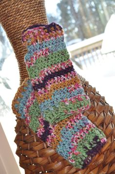 I love the colors of these fingerless glove.  They are so bright and cheery!!!
