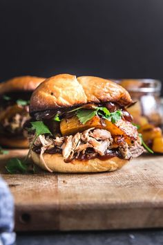 10 Easy Crockpot Pork Recipes to Make on Busy Weeknights Pineapple pulled pork sandwich Pulled Pork Recipe Slow Cooker, Pulled Pork Recipes, Pulled Pork Burger, Barbecue Recipes, Monte Cristo Sandwich, Best Sandwich Recipes, Ideas Sándwich, Cooking Recipes, Gastronomia