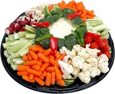 Oder lass das mit dem Waschen und Schneiden einfach sein und kauf einfach eine Gemüseplatte für die Woche. | 17 Tricks, wie Du Dich mühelos gesund ernähren kannst