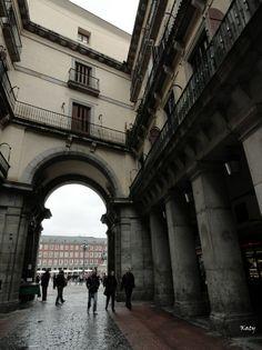Una de las puertas de la Plaza Mayor