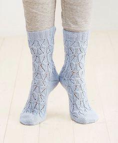 Pitsi-palmikkosukat hurmaavat – ota ohje talteen! - Kotiliesi.fi Crochet Socks, Knitting Socks, Crocheting, Slippers, Fashion, Knit Socks, Crochet, Moda, Fashion Styles