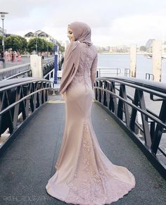 duyung - Another! Hijab Prom Dress, Hijab Gown, Muslimah Wedding Dress, Hijab Evening Dress, Muslim Wedding Dresses, Muslim Dress, Prom Dresses With Sleeves, Simple Dresses, Bridal Dresses