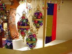 deco filled with baubles, pinned by Ton van der Veer
