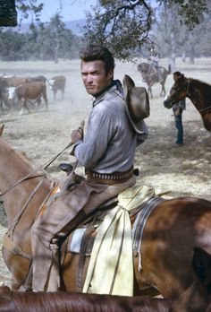 Clint Eastwood as Rowdy Yates! Western Film, Western Movies, Western Art, Clint Eastwood Quotes, Tv Themes, Native American Beauty, Tv Westerns, Tough Guy, Classic Tv