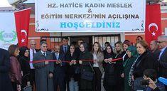 DİYARBAKIR -Diyarbakır'ın Yenişehir ilçesinde meslek edindirmek ve çalışma hayatında kolaylık sağlama amacıyla kadınlara yönelik Kadın Mes...