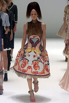 Alexander McQueen Spring 2005 Ready-to-Wear Collection on Style.com: Complete Collection