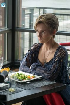 Photos - Nashville - Season 5 - Promotional Episode Photos - Episode - Not Ready to Make Nice - Nashville Seasons, Nashville Tv Show, Pixie Hairstyles, Cool Hairstyles, Clare Bowen, Crazy Ex Girlfriends, Popular Shows, New Haircuts, Favorite Tv Shows