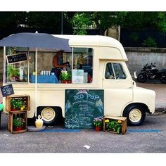 A vintage ice cream truck at it's finest. It's getting to summer in Spain. This cottage rig is all set. pic by @madrid_foodtrucks