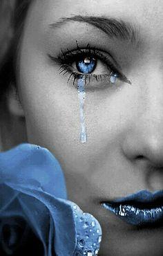 Black and White with a Splash of Color Photosop Tutorial Color Splash, Color Pop, Splash Art, Eye Color, Splash Photography, Black And White Photography, Love Blue, Color Azul, Yin Yang