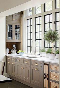 Brilliant Ideas for Kitchen Interior Design - Home Interior Design Kitchen Redo, Home Decor Kitchen, New Kitchen, Home Kitchens, Kitchen Remodel, Taupe Kitchen Cabinets, Oak Cabinets, Luxury Kitchens, Home Interior