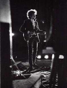 Bob Dylan backstage