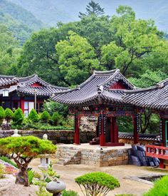 lovesouthkorea: Jirisan Daewonsa Temple by allan