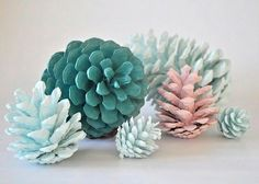 Painted pine cones! Top 10 fall-inspired decorating tips: http://hellawella.com/top-10-fall-inspired-decorating-tips
