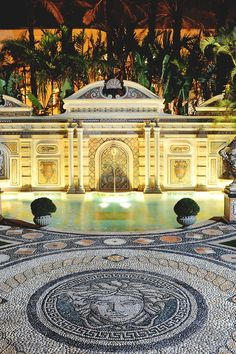 reals:  Gianni Versace's Mansion Pool | Photographer